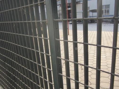 钢格板围栏 (3)