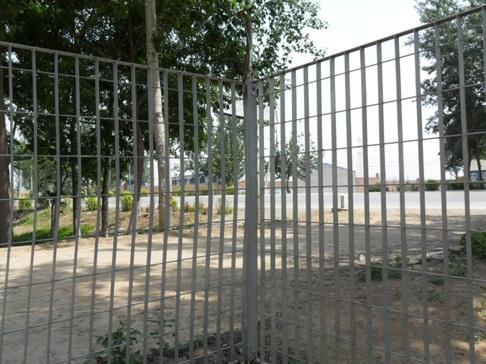 钢格板围栏 (2)
