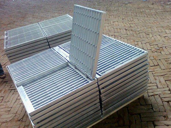 热镀锌钢格板 (1)