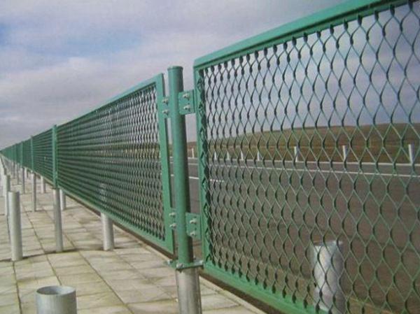 钢板网护栏 (5)