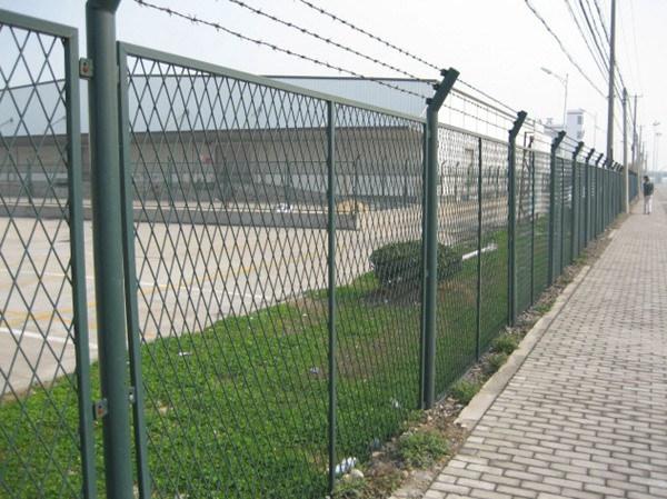钢板网护栏 (3)