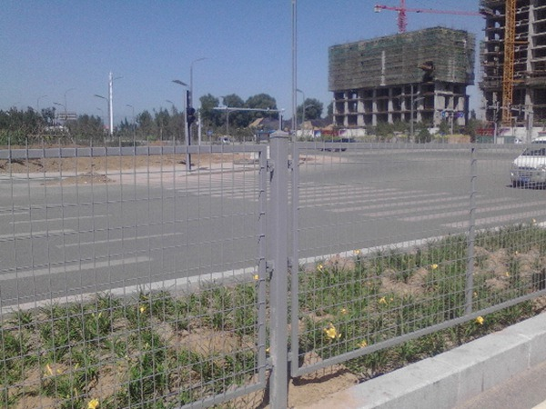 公路护栏网 (1)