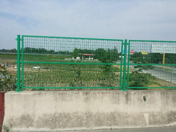 桥梁护栏网 (1)