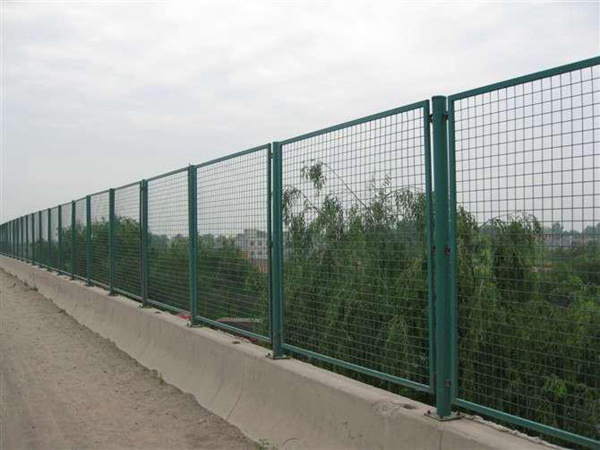 桥梁护栏网 (5)