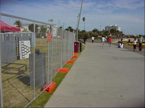 移动护栏网 (1)