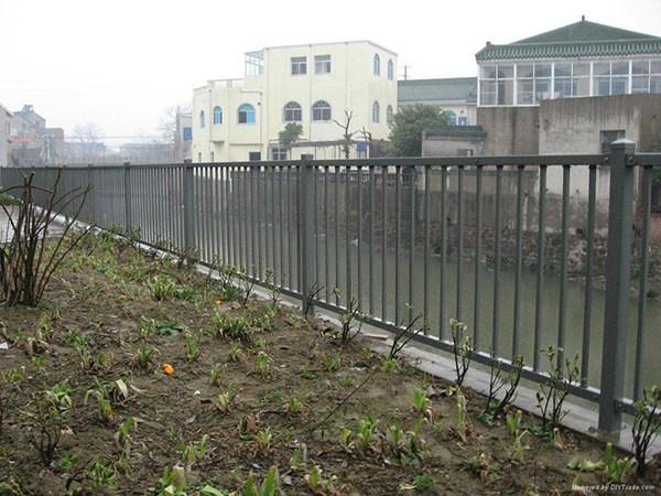 锌钢护栏网 (6)
